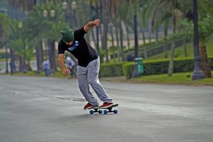 how to stop on a longboard skateboard-sport-ipiranga-tony-halk